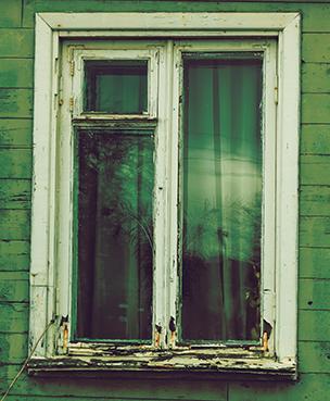 rådne trælister på vindue